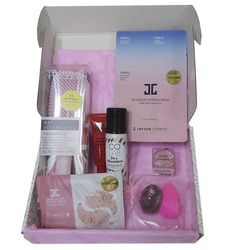 Подарочный набор Blush Box (comb/1pcs + shm/50ml + scrunchy/3pcs+ sponge/1pcs + mask/15ml + patch/1pcs + lip/balm/15g) фото
