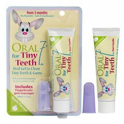 Детский набор Oral7 Tiny Teeth (gel/48ml + fingerbrush/1pcs) фото